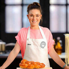 MasterChef-2012-Elimination-Interview-Alice-Zaslavsky-Highlights-Big-Personality-Glasses-More